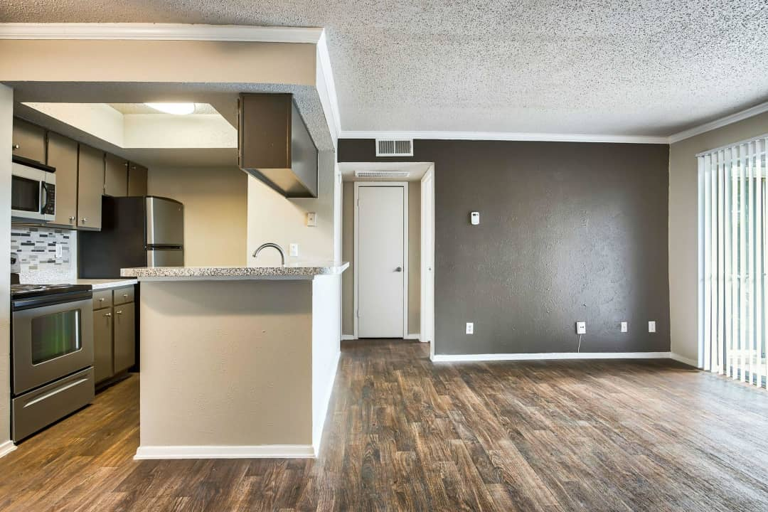 The Enclave At Prestonwood 5930 Arapaho Rd Dallas Tx Apartments For Rent Rent Com