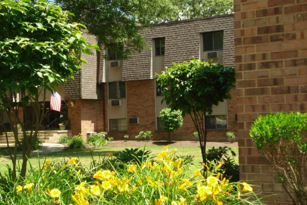 Peppertree Apartments 2122 Robbins Ave Niles Oh Apartments For Rent Rent Com