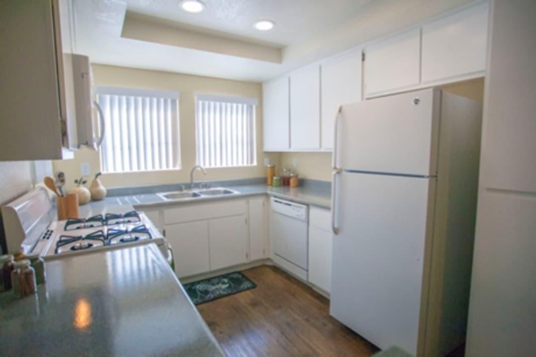 Villagio Apartment Homes 28377 Encanto Dr Sun City Ca Apartments For Rent Rent Com