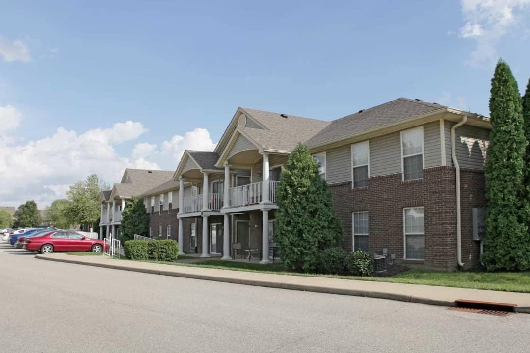 Brookridge Village 9510 Ridgeside Dr Louisville Ky Apartments For Rent Rent Com