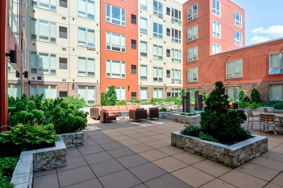 The Knoll Dinkytown 306 15th Ave Se Minneapolis Mn Apartments For Rent Rent Com