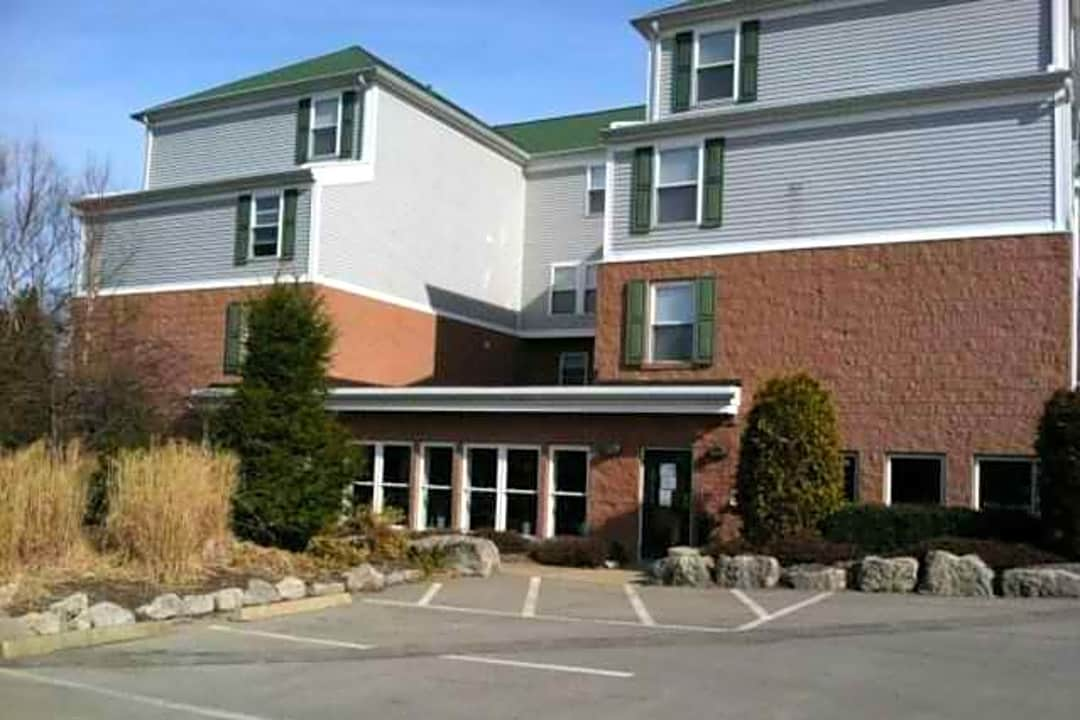 Campus Side Apartments 400 Campus Side Cir Slippery Rock Pa Apartments For Rent Rent Com