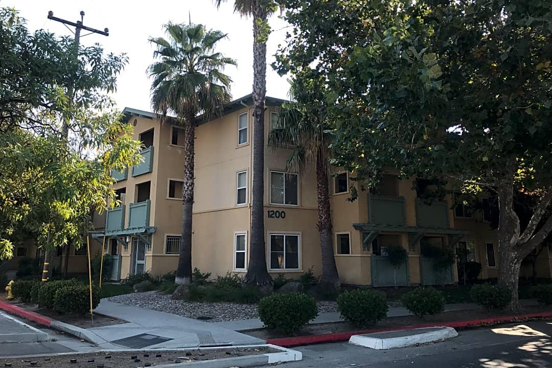 Palm Court Senior Homes 1200 Lick Ave San Jose Ca Apartments For Rent Rent Com