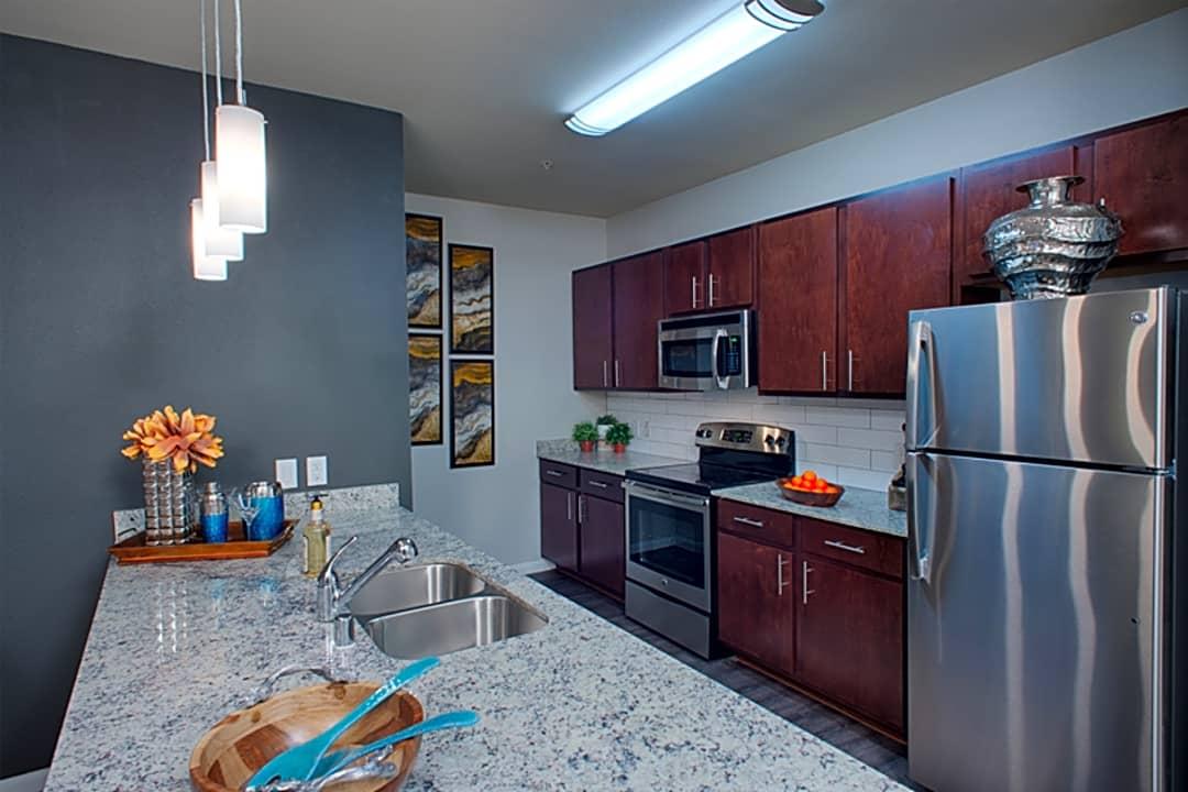 Gramercy On The Park 4755 Gramercy Oaks Dr Dallas Tx Apartments For Rent Rent Com