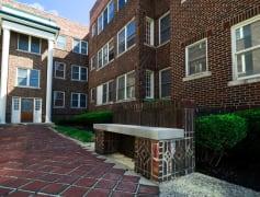 Madison - 226 E. 12th Street Courtyard
