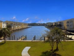 Water Front Living-Harbor Landing