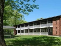 Willington Oaks 1 bd bldg