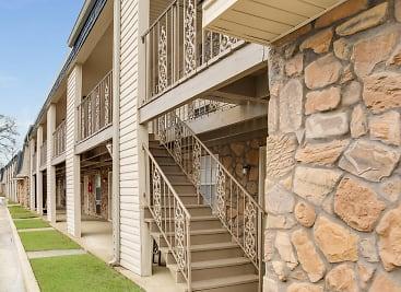 Brookstone Apartments - Tuscaloosa, AL 35401