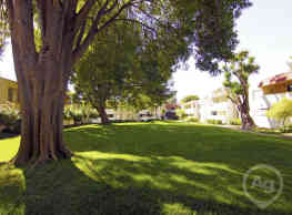 Glen Oaks Apartments - Hayward