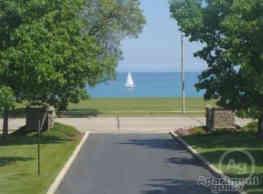Lake Oaks Senior Apartments - Racine