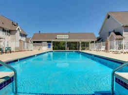Buckhorn Station Apartment Homes - Cudahy