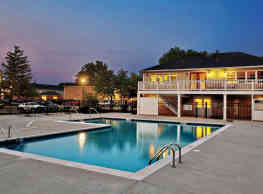 Willow Bend Apartments - Rolling Meadows