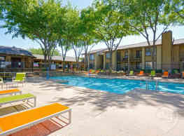 Copper Canyon Apartments - Bedford