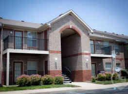 Crown Plaza Apartments - Plainfield