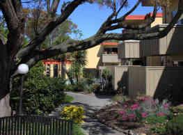 Sandpiper Apartments - Sacramento