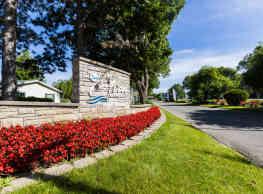 Avon on the Lake Senior Living - Rochester Hills