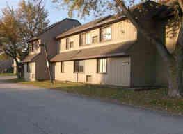 Bay Valley Harbor Apartments - Bay City