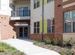 757 North Apartments - Winston-Salem