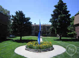 The Fontainebleau & Timbercrest Apartments - Bellevue