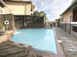 Highcrest Apartments - San Marcos
