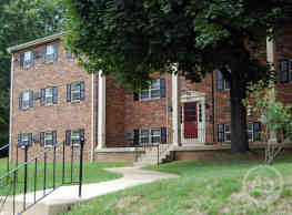 Naamans Village Apartments - Claymont