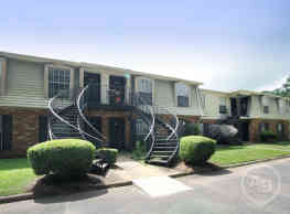 Carriage House Apartments - Dothan