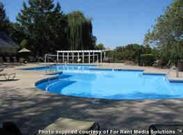Summer Lake Apartments - Murfreesboro
