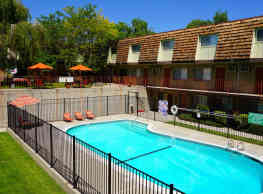Country Club Villas - Reno