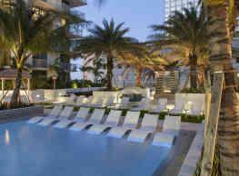 Monarc at Met 3 - Miami