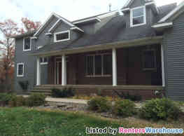 Country Acre Executive 5 bedroom home - Clearwater