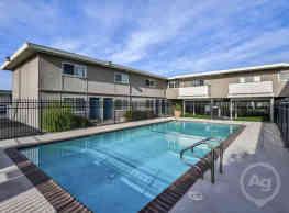 Marina Breeze Apartment Homes - San Leandro
