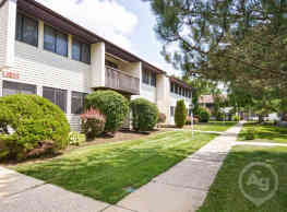 Village East Apartments - Hightstown
