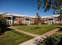 Saddle Brook Apartments - Saddle Brook