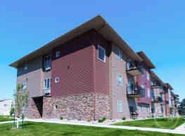 Stonecrest Apartments - Moorhead