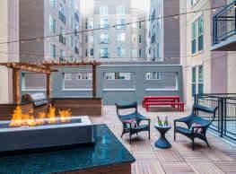 TwentyOne01 on Market Apartments - Denver