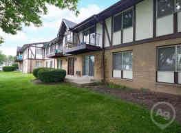 Indian Hills Apartments - Racine