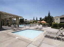 Cambridge Village Apartments - Bakersfield