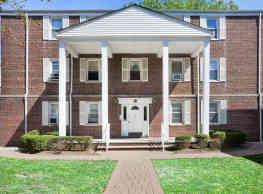 Harper House Apartment Homes - Highland Park