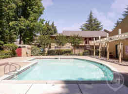 Rivergate Apartments - Sacramento