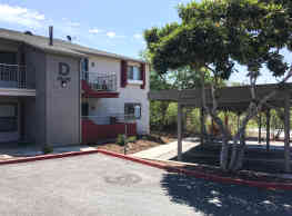 Hillside Terrace Apartments - Vista