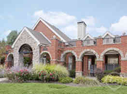 Meridian Club Apartments - Papillion