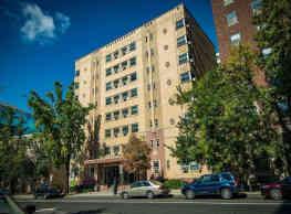 Capital Plaza Apartments - Washington