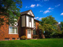 Maple Grove Apartments - Sterling Heights