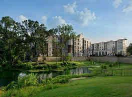 Vargos On The Lake Apartments and Townhomes - Houston