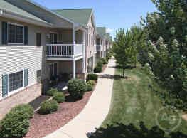 Hawk's Ridge Apartments - Beloit