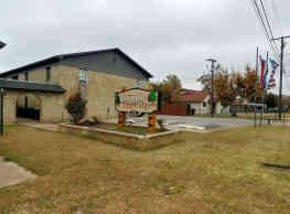 Taylor Ridge Apartments - Warr Acres