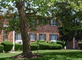 Knollwood Manor - Fairport