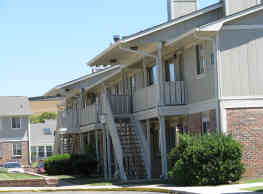 Hearth Hollow Apartments - Derby