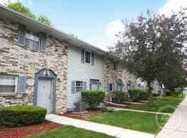 Waldon Pond Condominiums - Marshall