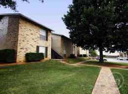 Oak Hollow Apartments - Longview